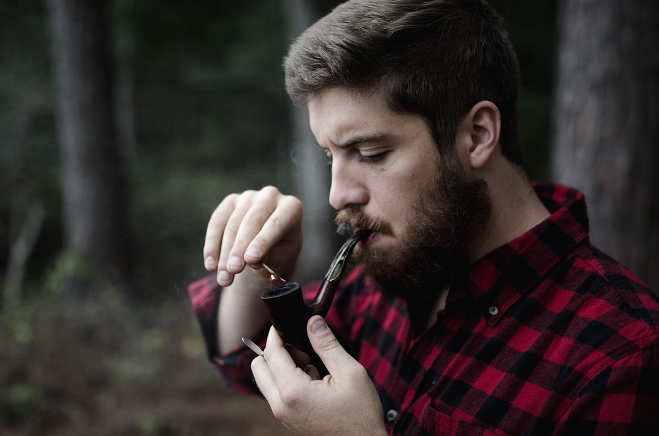 maison demiautte hipster smoking pipe